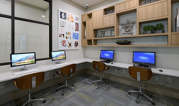 Computer Lab & Study Lounges